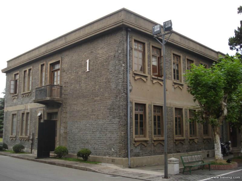 宝山半岛1919文化创意园,现推出150~2000平米不等,可注册,本案位于1
